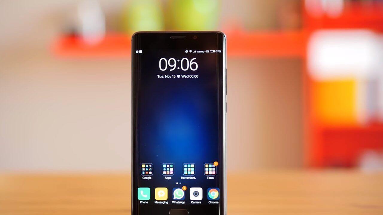 Xiaomi Mi Note 2 de frente