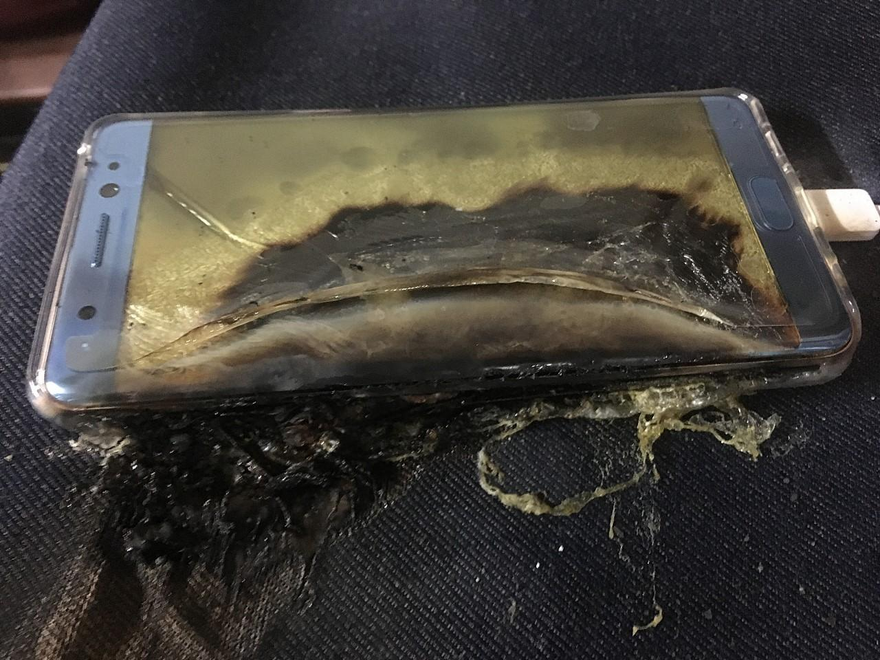 Samsung Galaxy Note 7 incendiado
