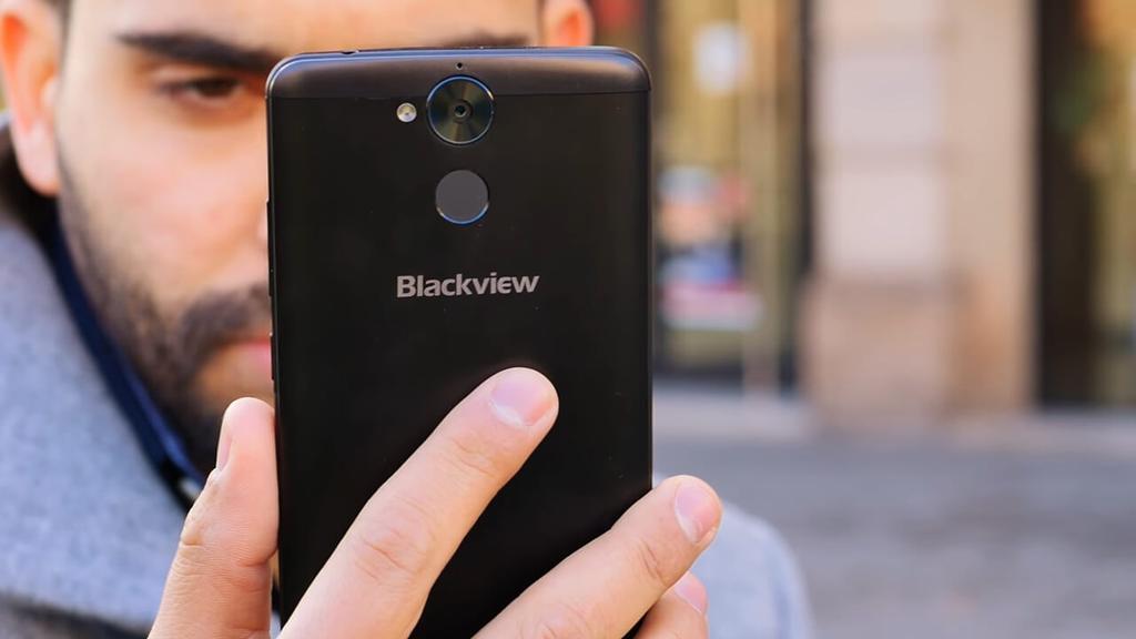 Teléfono Blackview P2