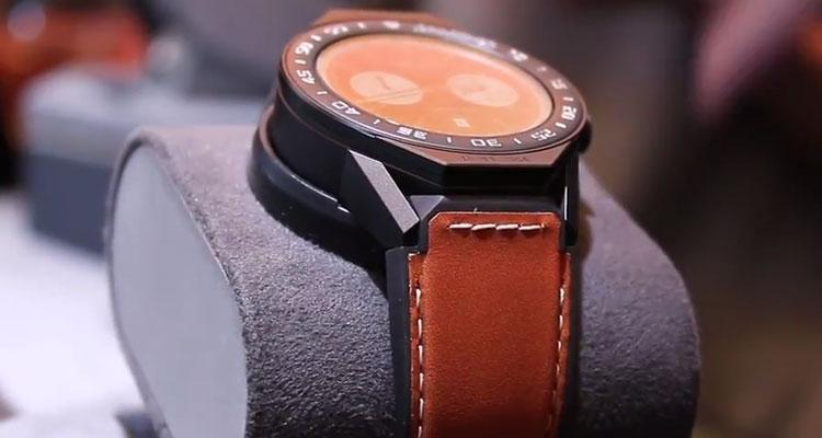 Smartwtch TAG Heuer Connected Modular