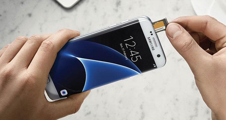 Uso de tarjeta microSD en smartphone