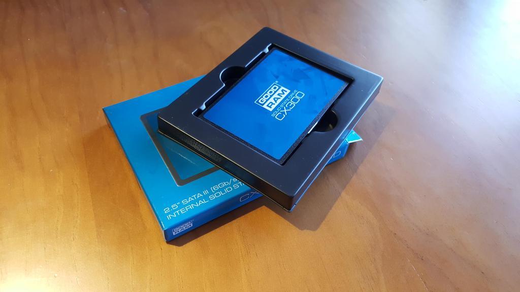 Caja del disco duro Goodram CX300