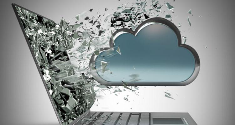 Pantalla de ordenador rota con logo de nube