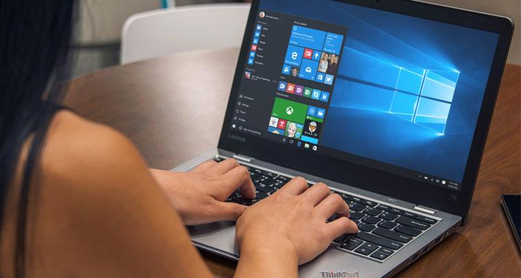 Portátil con sistema oeprativo Windows 10