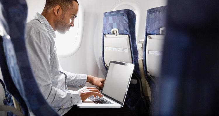 Prohibir los portátiles en cabina de avión vuelos europeos