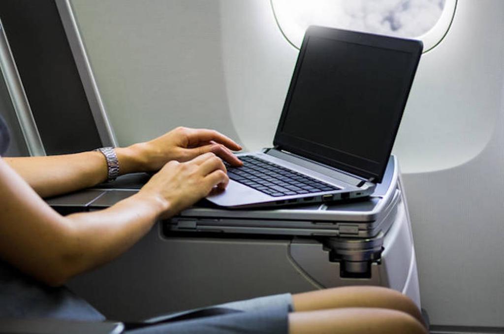 Uso nen cabina de un portátil