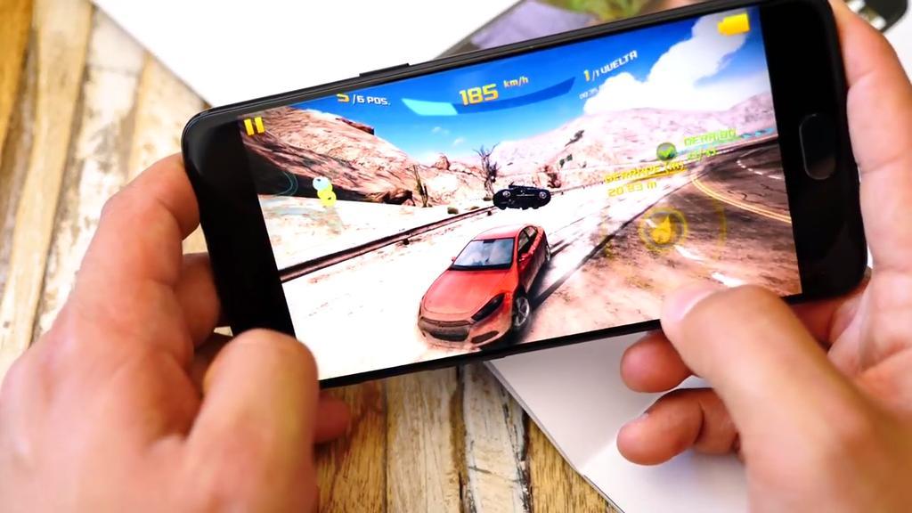 Ejecución de un juego en el OnePlus 5