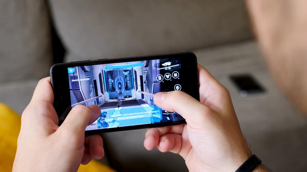 Ejecución de juego en el Elephone P8 Mini