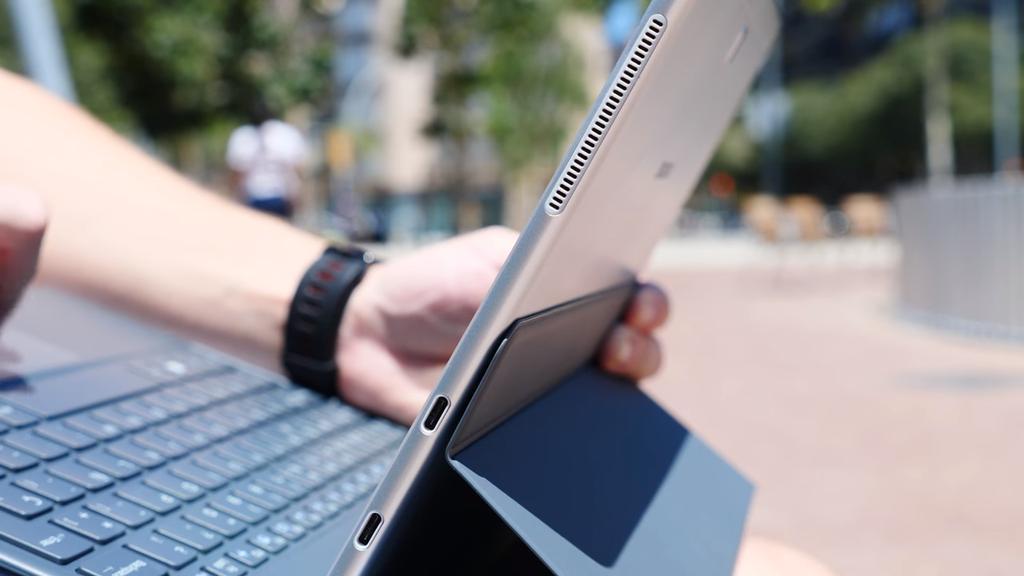 Lateral del Samsung Galaxy Book