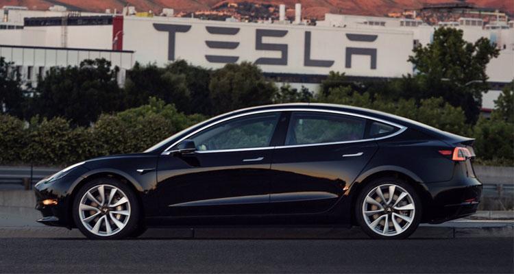 Primer Tesla Model 3 oficial