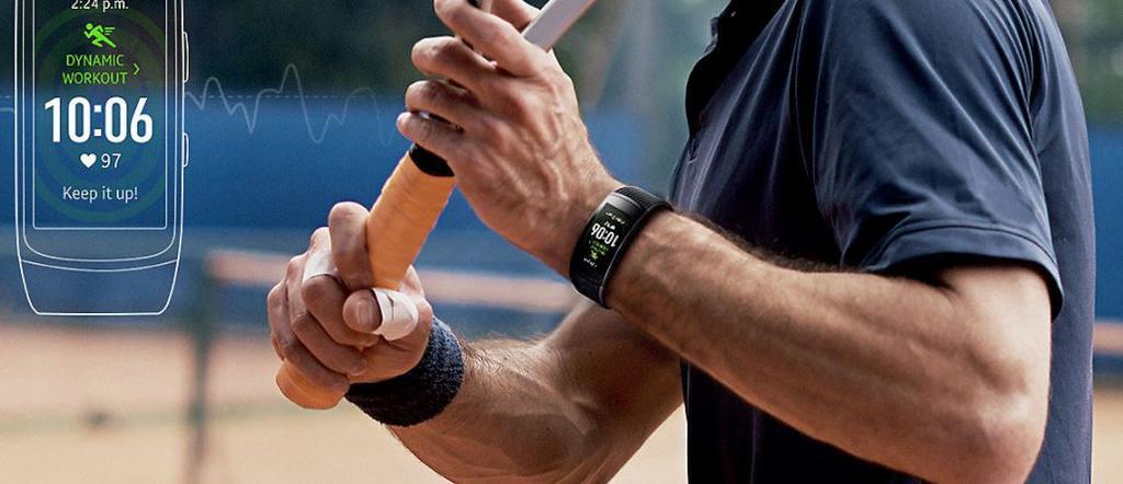 Uso de la pulsera Samsung Gear Fit 2 Pro al hacer deporte