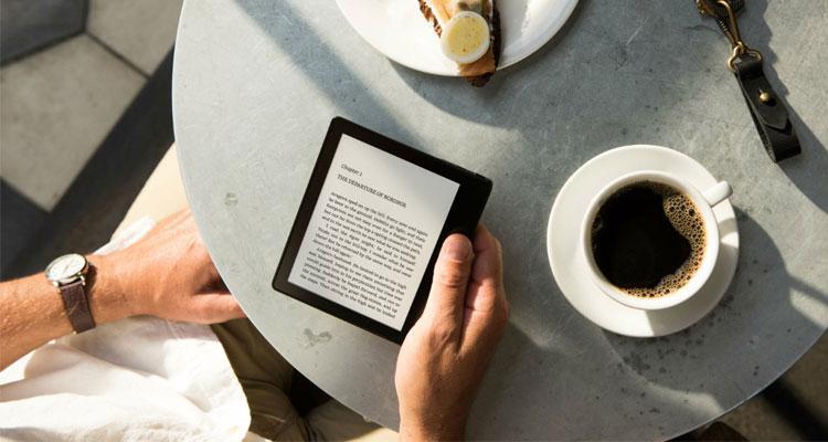 Lectur ade Kindle de Amazon con cafñe