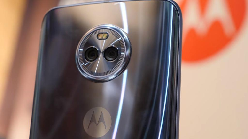 Imagen trasera del Moto X4
