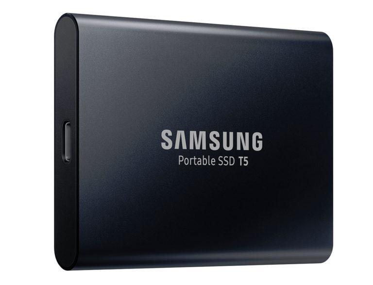 Diseño del disco Samsung SSD T5 de color negro