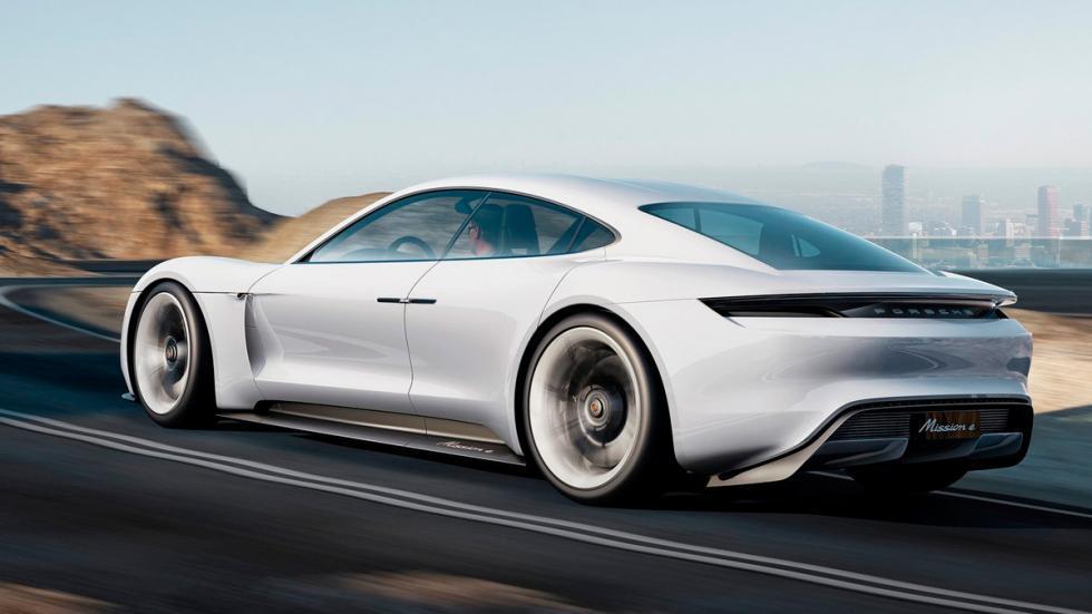 Mission E el Coche eléctrico Porsche de perfil