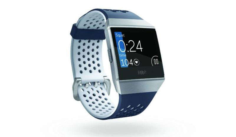 Imagen frontal del smartwatch Fitbit Ionic Adidas Edition