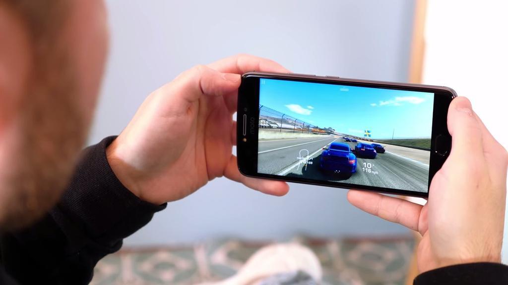 Ejecución de juego con el Motorola Moto E4 Plus