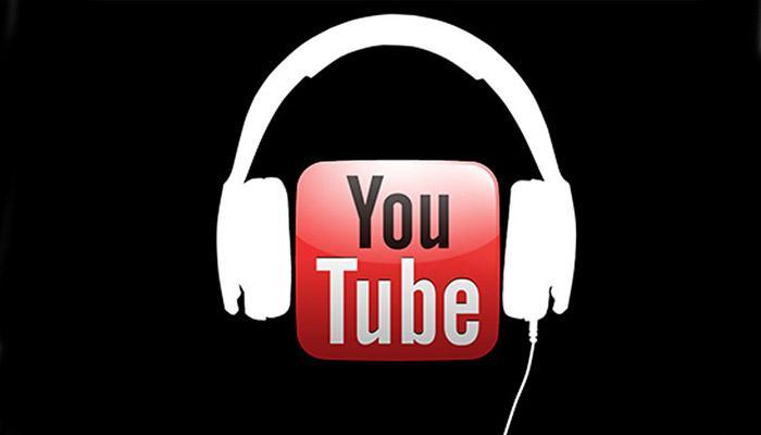 Logotipo YouTube con auriculares y fondo negro