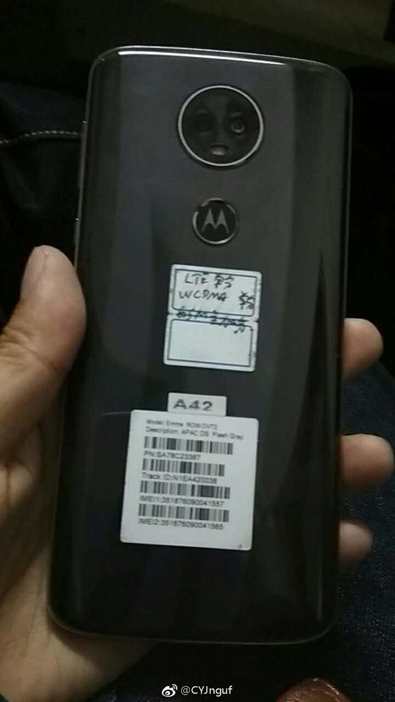 Imagen trasera del Motorola Moto E5 Plus