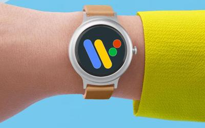 Smartwatch con logo Wear OS