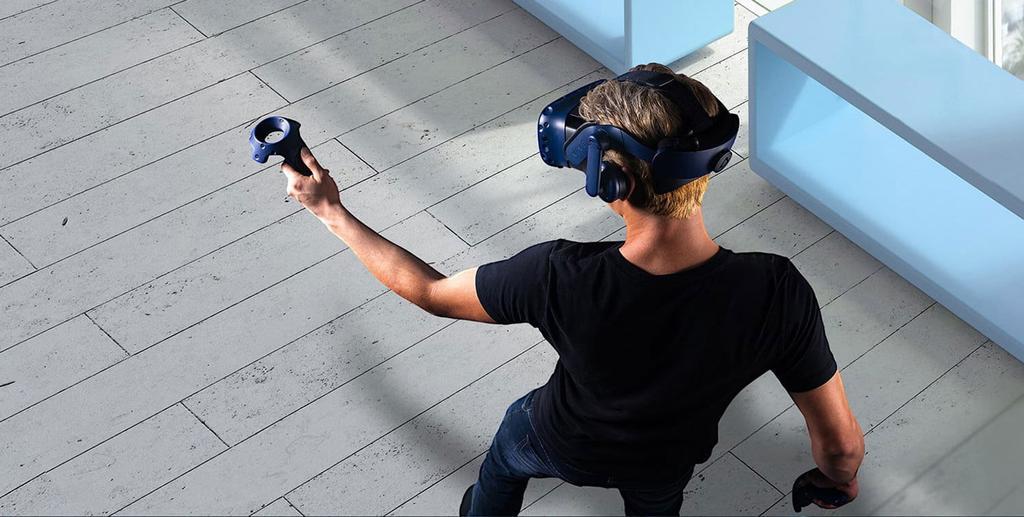 Uso de las gafas de realidad virtual HTC Vive Pro