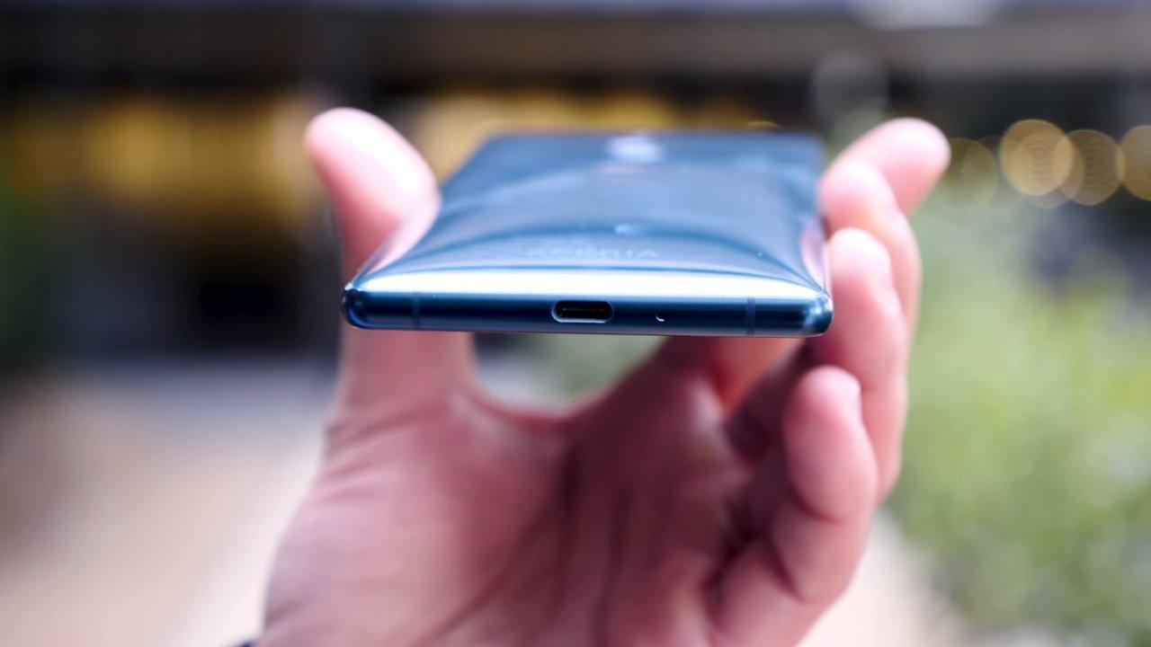 Puerto USB del Sony Xperia XZ2