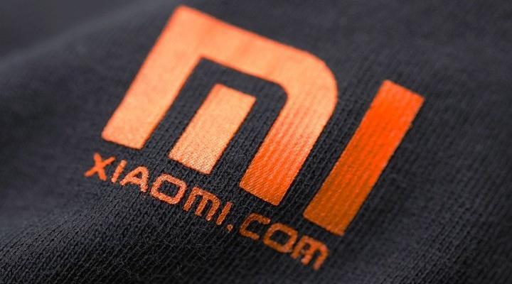 Logode Xiaomi de color naranja
