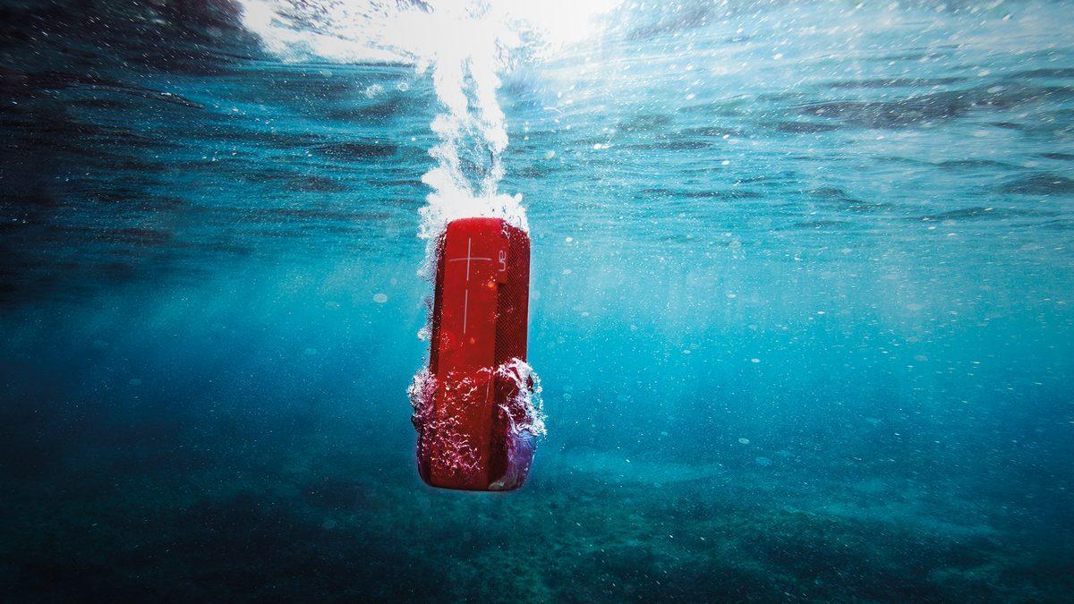 Altavoces resistentes al agua