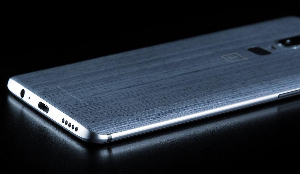 Imagen de la parte posterior del OnePlus 6