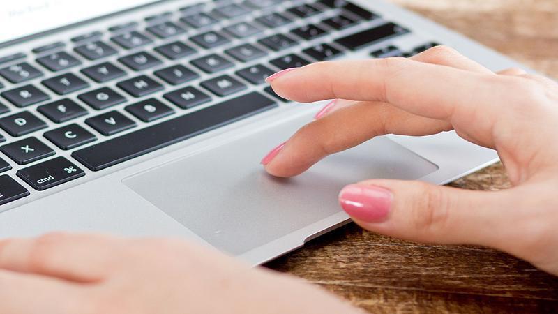 Usando un MacBook Air
