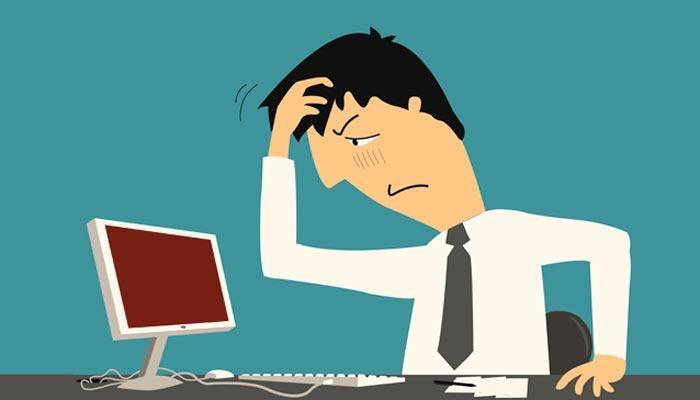 Problema con ordenador persona enfadada