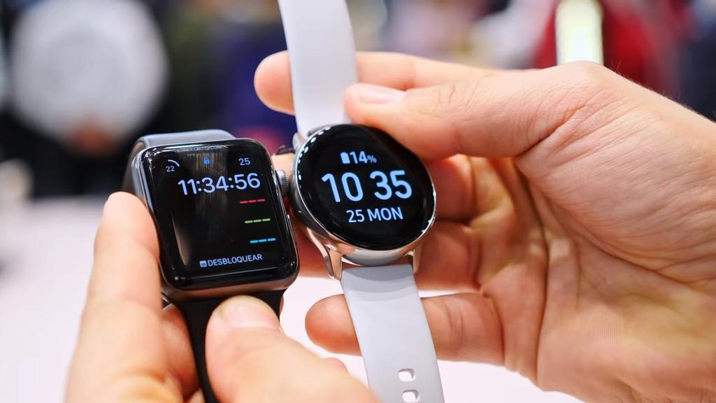 Smartwatch Samsung Galaxy Watch Active comparado con Apple Watch