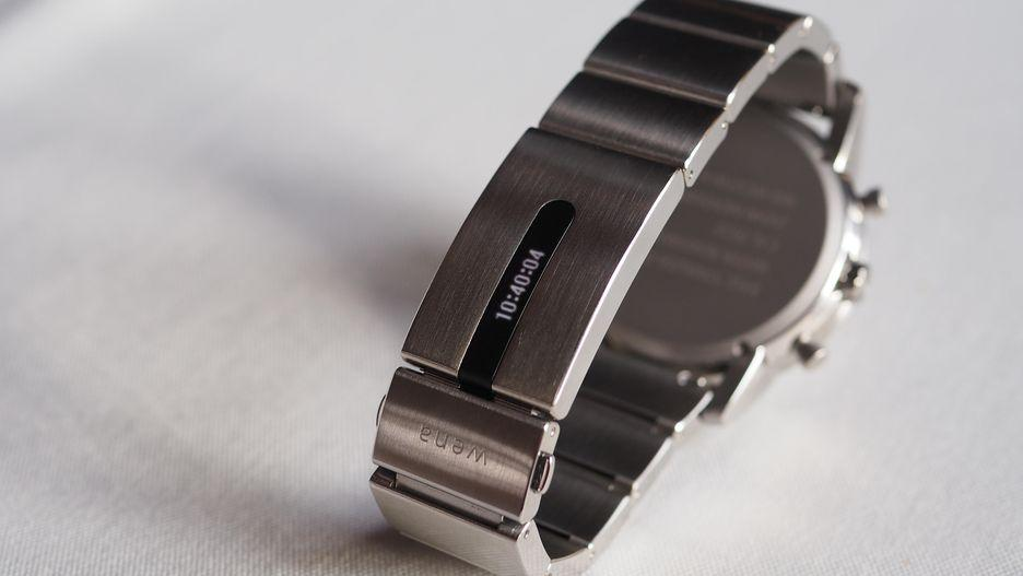 Pantalla integrada en Sony Wena Wrist