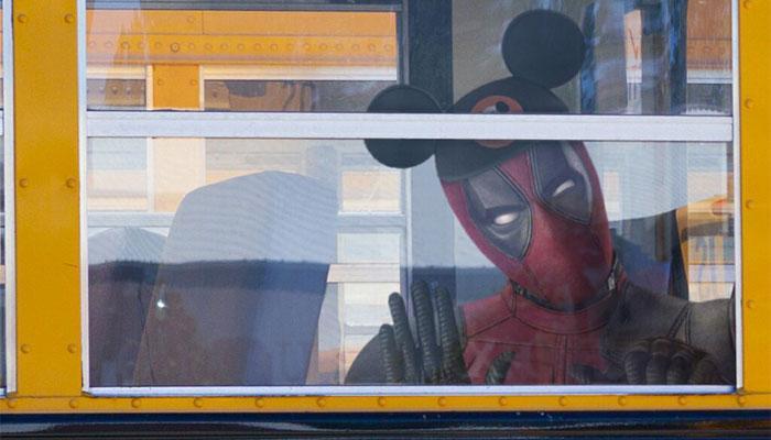 Deadpool con el gorro de Disney