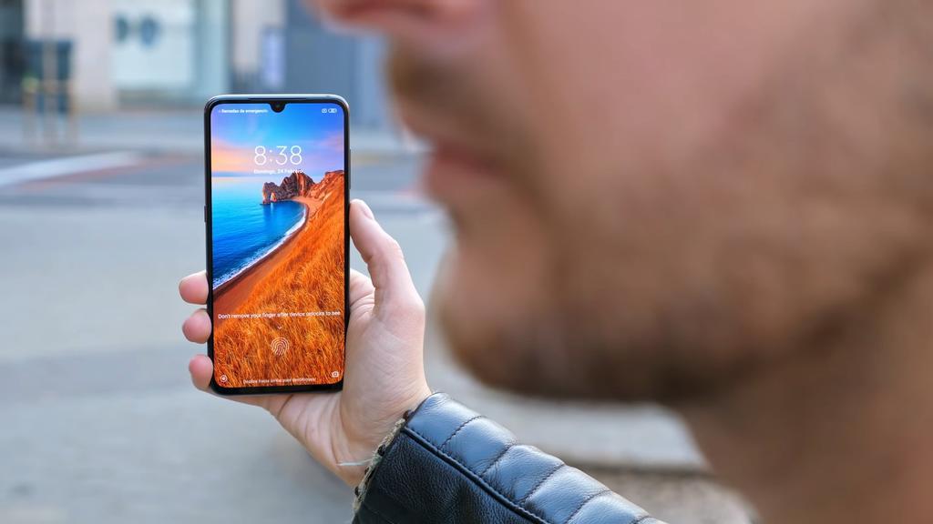 Xiaomi Mi 9 por delante
