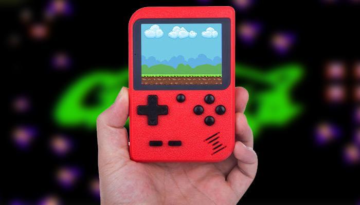 Consola GameBud con fondo Galaga
