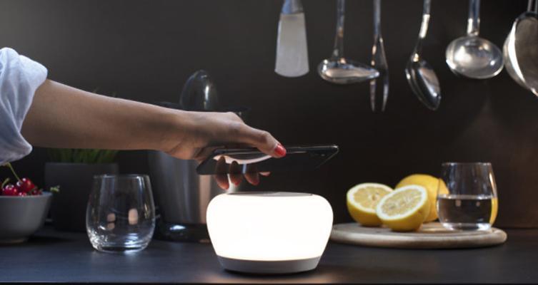 Uso del gadget Luna Smart Lamp