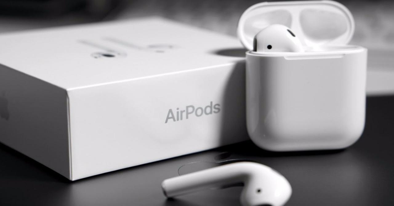 AirPods Siri
