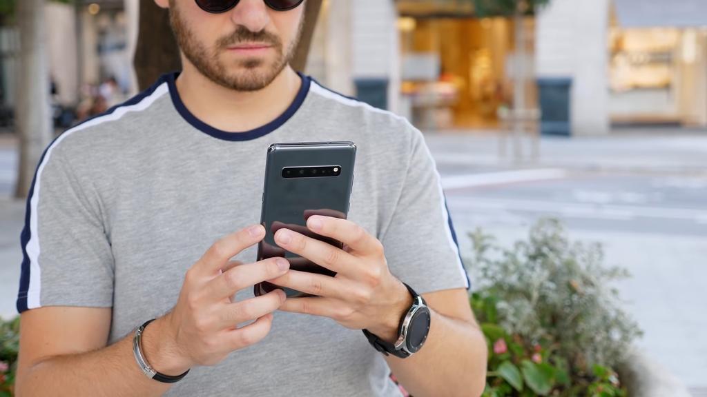 Samsung Galaxy S10 5G por detrás