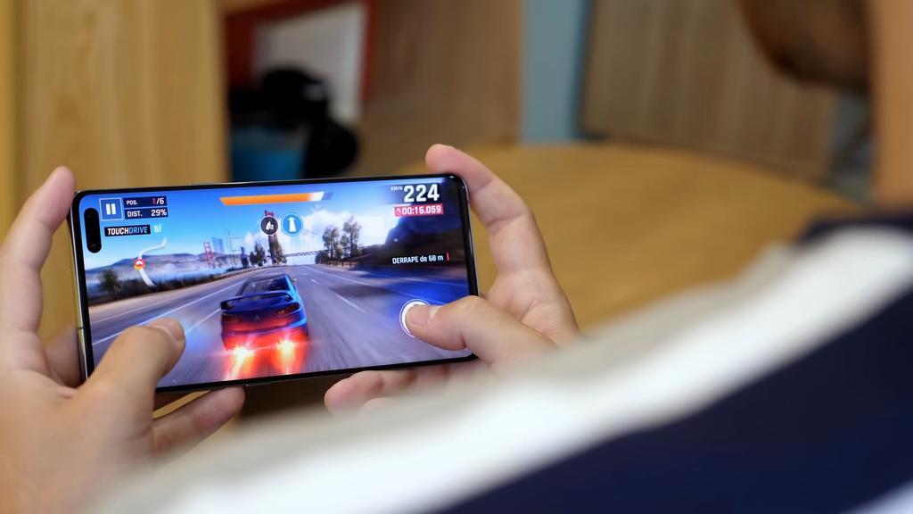 Jugando con el Samsung Galaxy S10 5G