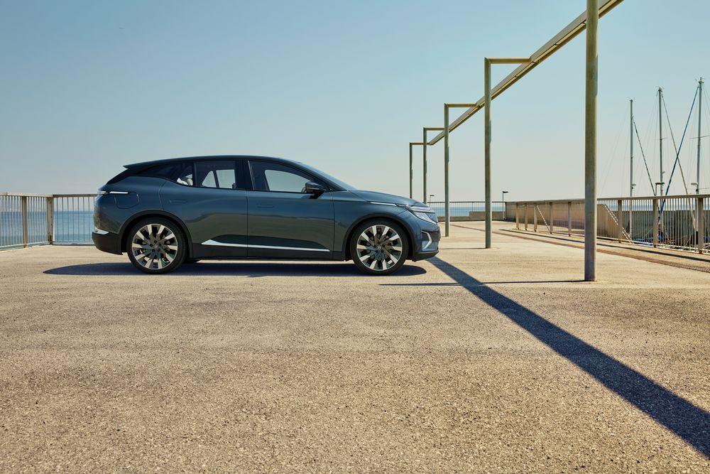 SUV eléctrico M-Byte de lado