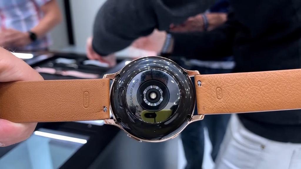 Samsung Galaxy Watch Active 2 por detrás
