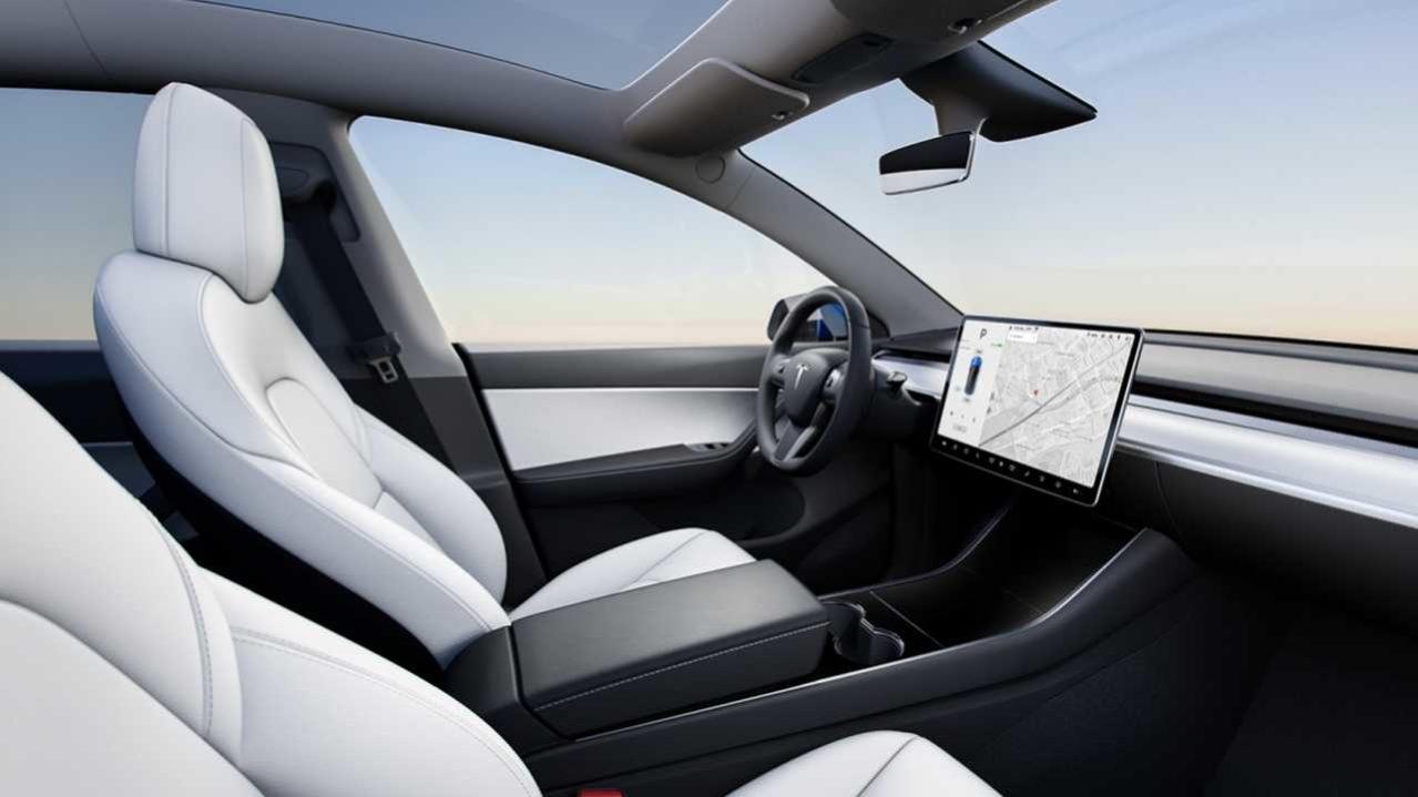 Pantalla en el coche de Tesla