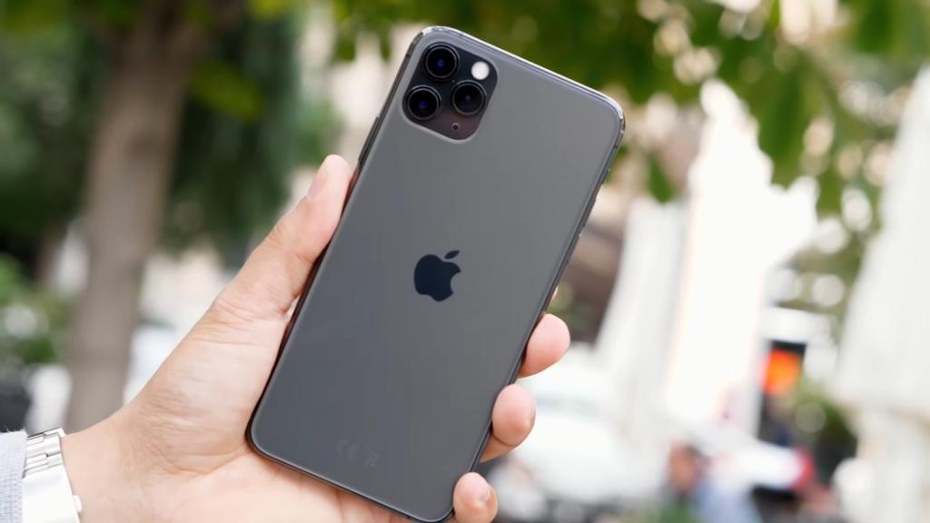 iPhone 11 Pro Max por detrás