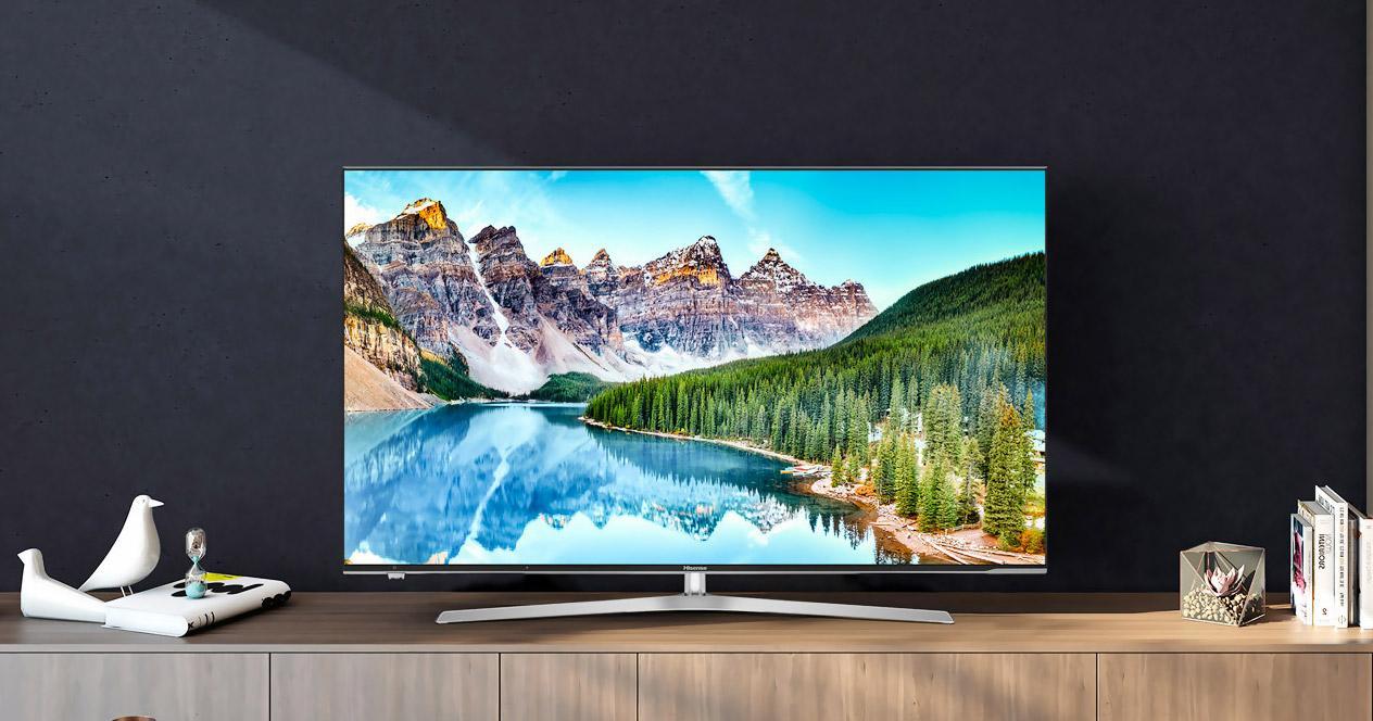 Smart TV Hisense en salón