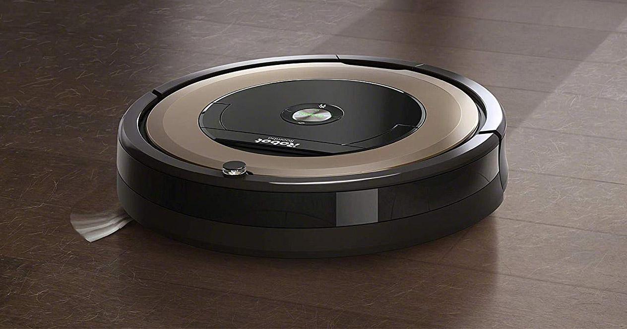 Robot aspirador iRobot Roomba 891 en funcionamiento