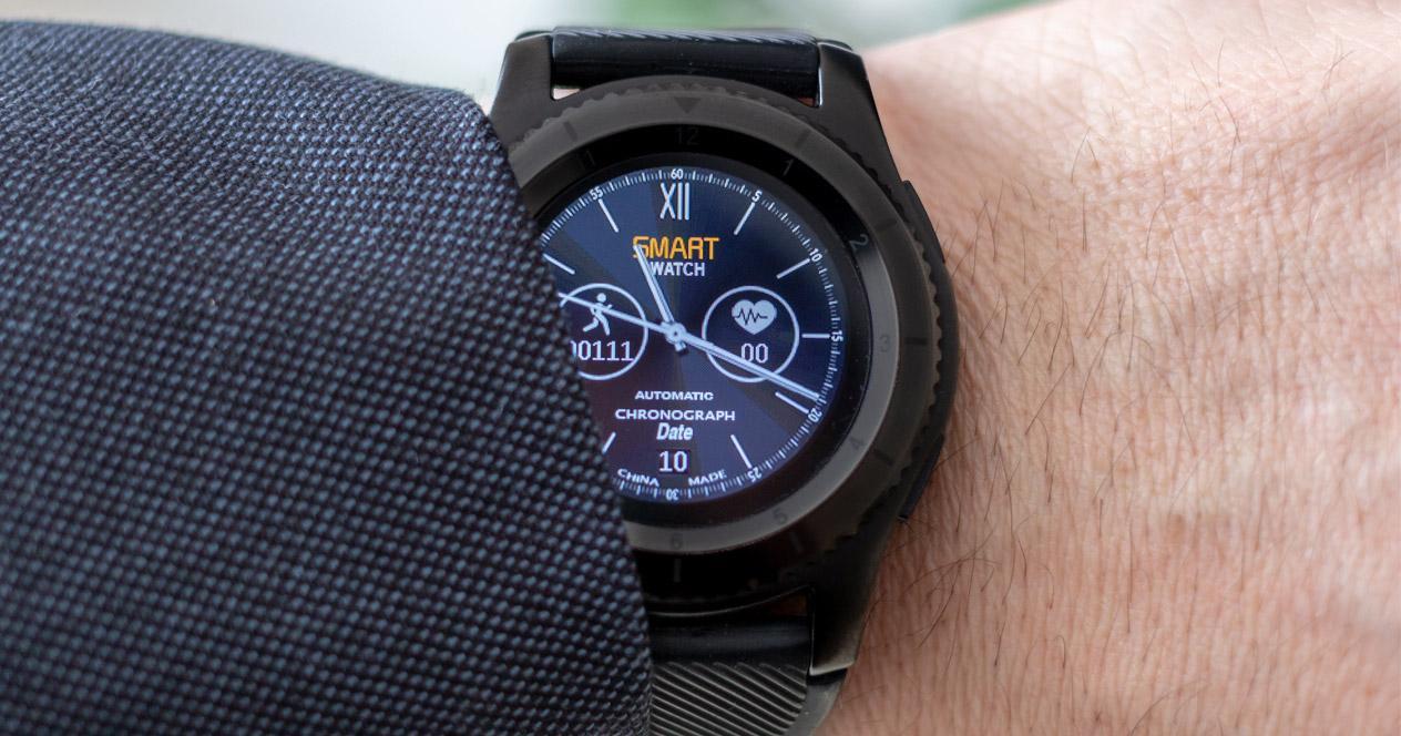 Uso de smartwatch con pantalla circular