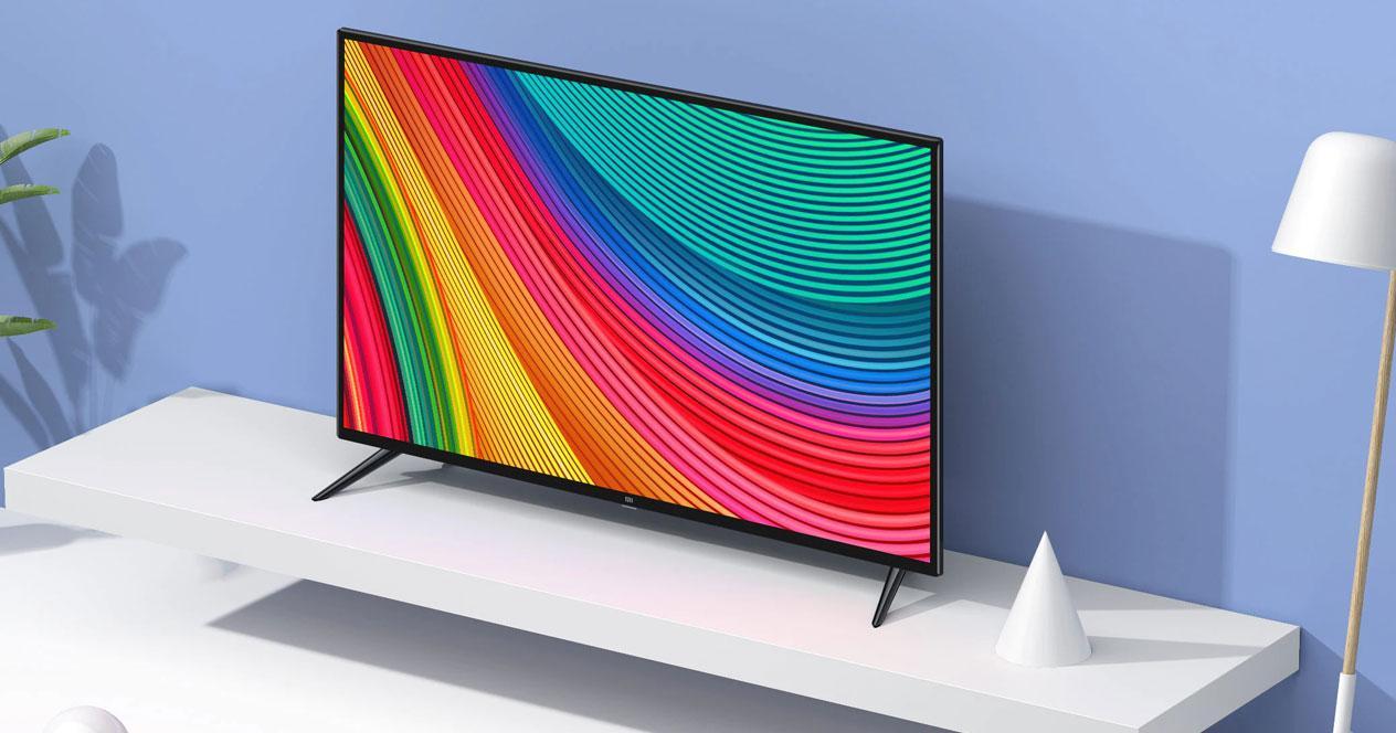 Smart TV Xiaomi Mi TV 4S colocada en una mesa