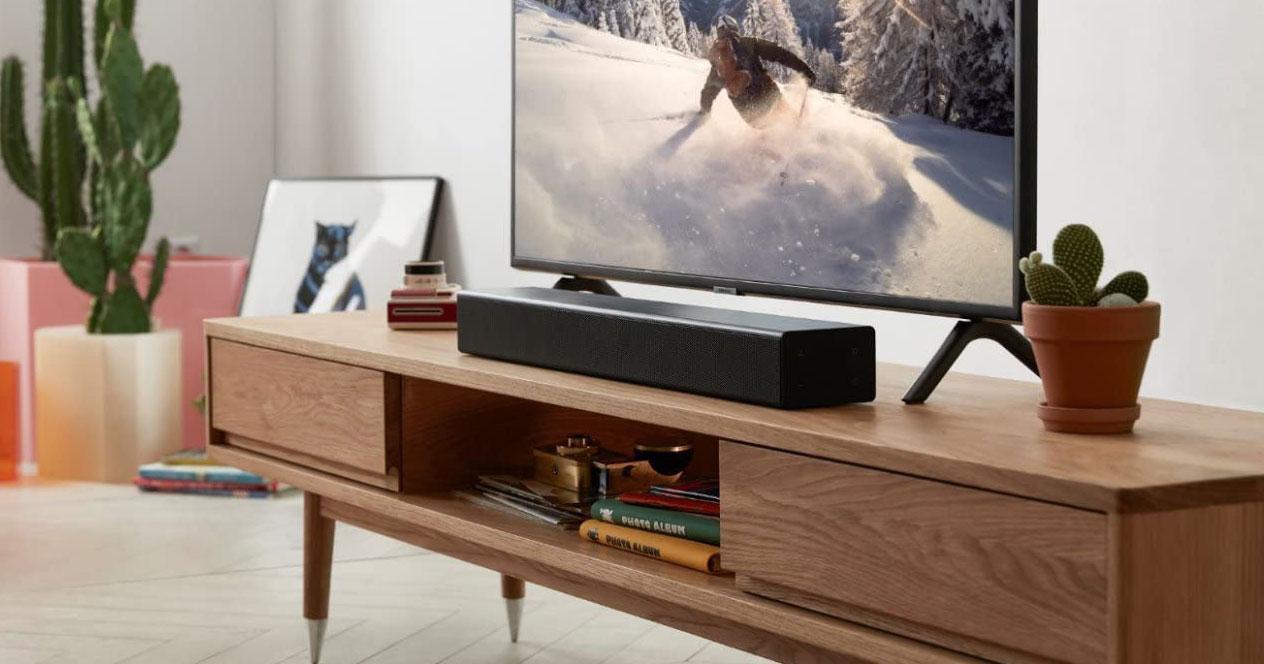 Barras de sonido en mueble salón