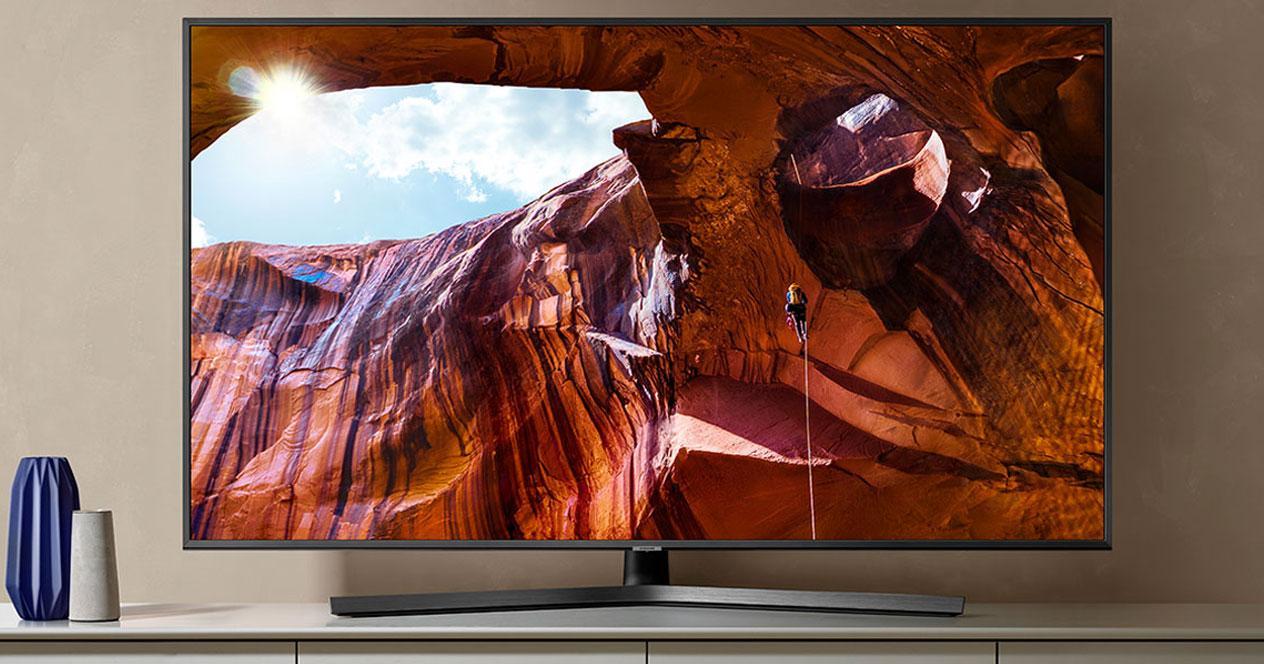 Uso de la smart tv Samsung UE50RU7475